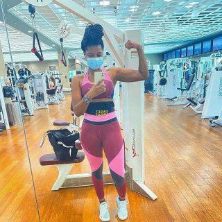 Kijk jij er ook zo naar uit dat de sportscholen weer opengaan? 😁🙌 ・・・ #SweetSweat #Results #cardioworkout #sweetsweatnederland #waisttrimmer #buikspieren #afvallen #zweet #zweetband #zweten #cardio #fitness #warmup #followme #motivatie #afslankband #beachbody #summerbody #killerbody #bodysculpting #gezondafvallen #fitness #waistshaper #workout #workoutmotivation #fitdutchies #coronakilos #loopbands #kickboxing #trimmercleaningspray #saunabelt