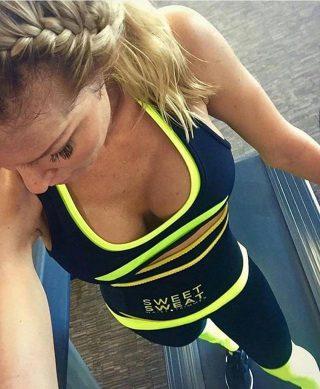 Positieve geest, positieve vibes, positief leven.  www.sportsresearch.nl   #SweetSweat #Results #cardioworkout #sweetsweatnederland #waisttrimmer #buikspieren #afvallen #zweet #zweetband #crossfit #cardio #fitness #warmup #followme #motivatie #afslankband #beachbody #summerbody #killerbody #bodysculpting #gezondafvallen #fitness #waistshaper #workout #workoutmotivation #fitdutchies #coronakilos #loopbands #kickboxing #trimmercleaningspray #saunabelt