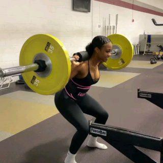 Vandaag is het benen...  Ook Sweet Sweat bestellen? www.sportsresearch.nl www.sweetsweat.nl  #SweetSweat #Results #cardioworkout #sweetsweatnederland #waisttrimmer #buikspieren #afvallen #zweet #zweetband #crossfit #cardio #fitness #warmup #followme #motivatie #afslankband #beachbody #summerbody #killerbody #bodysculpting #gezondafvallen #fitness #waistshaper #workout #workoutmotivation #fitdutchies #coronakilos #loopbands #kickboxing #trimmercleaningspray #saunabelt